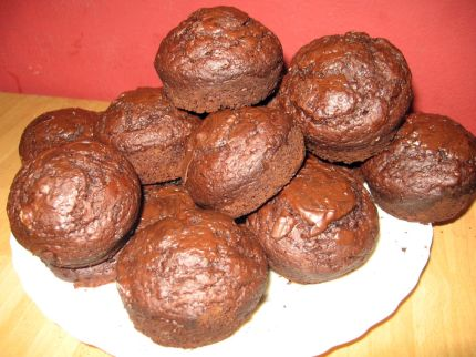 carob-chocolate muffins, (whole-wheat) by judih