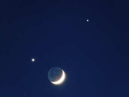 Venus - Moon - Jupiter, shot by Arieh Schkolnick